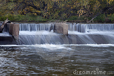 River diversion dam