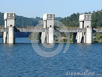 River douro dam lever