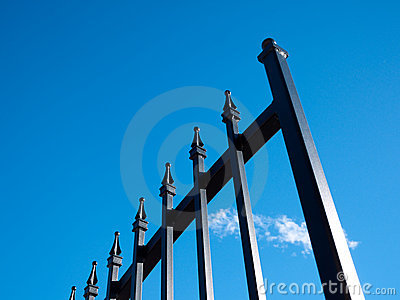 Rivesta di ferro il cancello