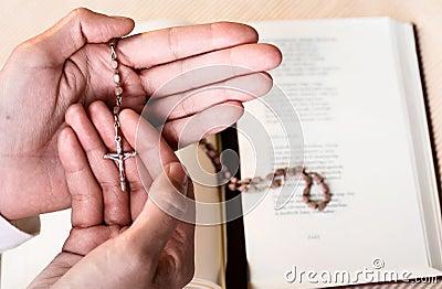 Ręka różaniec