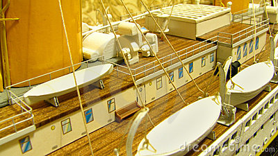 Rms Titanic deck and lifeboats