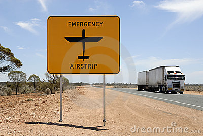 Road with emergency airstrip