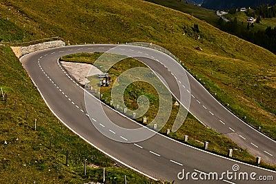 Road serpentine.