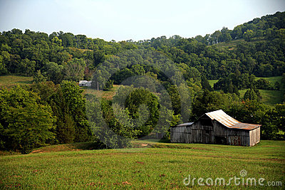 Road side barn