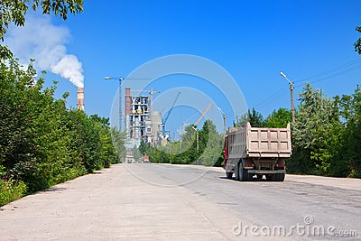 Road to cement plant