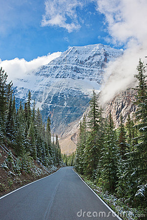 Road to Mount Cavell