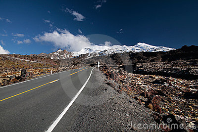 Road to Mount Ruapehu