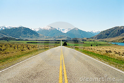 Road to mountains, New Zealand