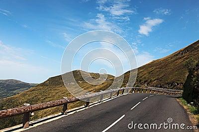 Road to Pas de Peyrol