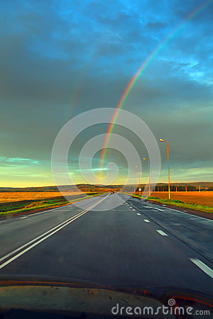 Free Road To Rainbow Royalty Free Stock Photography - 33599767