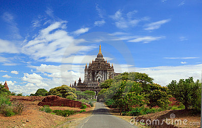 Road to the temple of bagan,myanmar