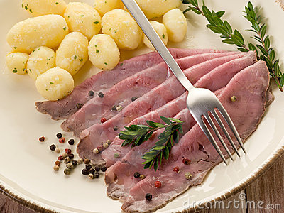 Roast Beef With Potatoes Royalty Free Stock Photos - Image: 19275338