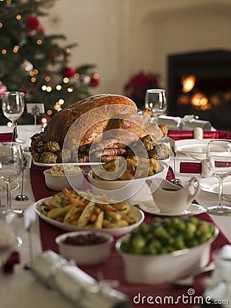 Free Roast Turkey Christmas Spread Stock Photography - 5606972