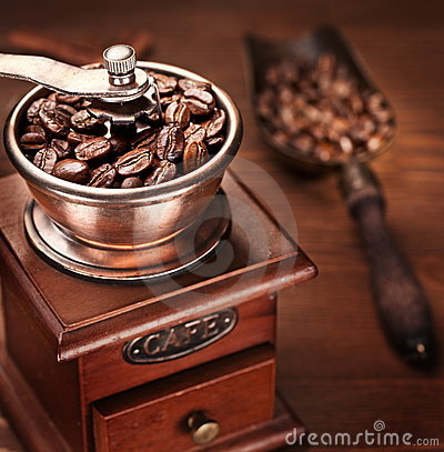Free Roasted Coffee Beans In A Coffee Grinder. Royalty Free Stock Image - 19299776