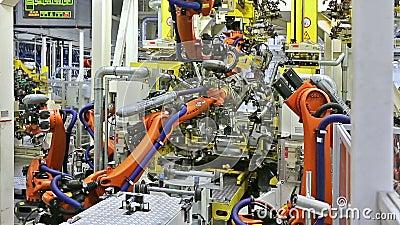 Robôs em uma fábrica do carro