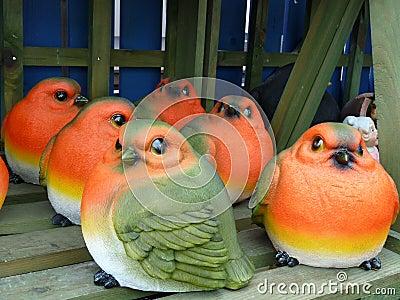 Robin red breast - ceramic garden ornaments