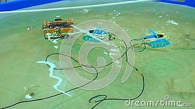 Robotachtige Aqua Bot Rover Swimming Pool stock footage