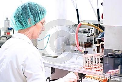 Roboterarm - pharmazeutische Maschinerie