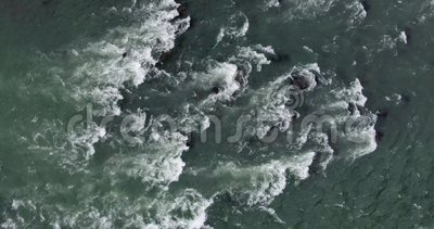 Rocas en el río de Skykomish almacen de metraje de vídeo