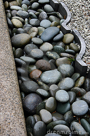 Free Rock Garden Trim Royalty Free Stock Photography - 89667