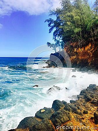 Free Rocky Coastline On The Big Island Of Hawaii Royalty Free Stock Photo - 86480465