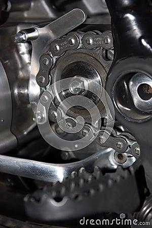 Roda de roda dentada com corrente