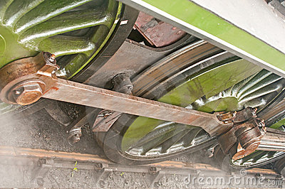 Rodas da locomotiva de vapor; detalhes.