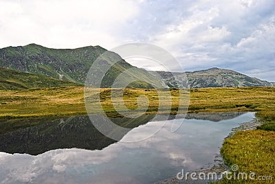 Rodnei mountain lake