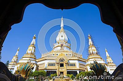Wat Phra Maha Chedi Chai Mongkol Editorial Photography