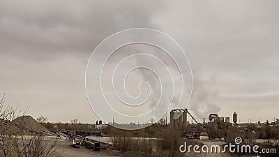 Rokende fabriek stock videobeelden