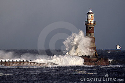 Roker Lighthouse And Pier Royalty Free Stock Photography - Image: 2125057