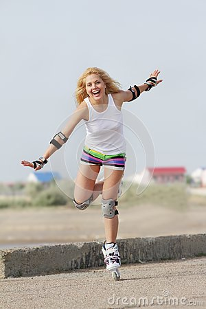 Rollerblade / roller skating woman