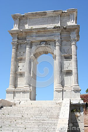 Free Roman Arch In Ancona Stock Image - 104065061