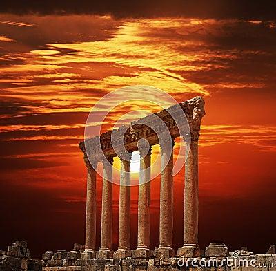 Free Roman Columns At Heliopolis, Baalbeck, Lebanon Royalty Free Stock Photos - 11753148