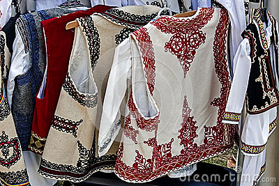 Romanian traditional costumes 2