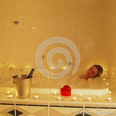 Free Romantic Bath Stock Photography - 17237012