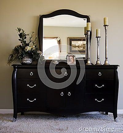 Free Romantic Bedroom With Mirror On Dresser Stock Photos - 1976763
