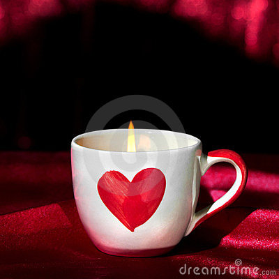 Free Romantic Candle Light In Love Cup Royalty Free Stock Photography - 23958757