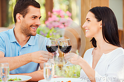 Romantic date in restaurant.
