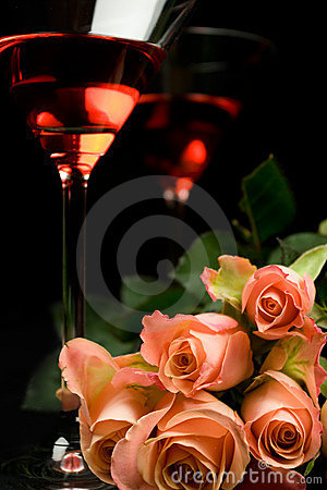 Free Romantic Rose With Glasses Royalty Free Stock Images - 5440199