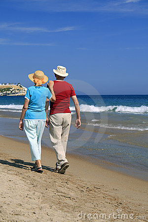 Free Romantic Stroll Along The Beach Stock Photo - 19901630