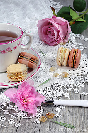 Free Romantic Tea Drinking With Macaroons Royalty Free Stock Photography - 48933617