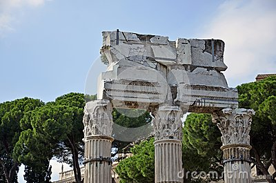 Rome historical arch