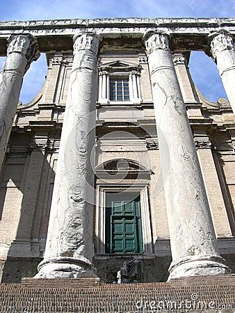 Rome Pillars