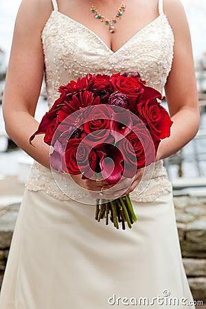 Rood huwelijksboeket