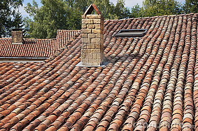 Roof with old tiles