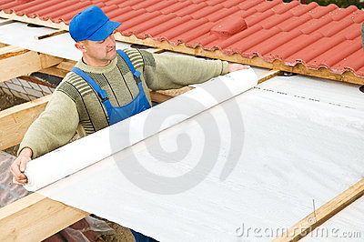 Roofing works with protective layer