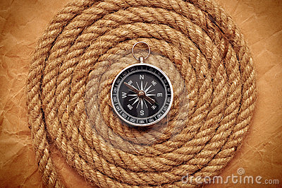 Rope coil with compass