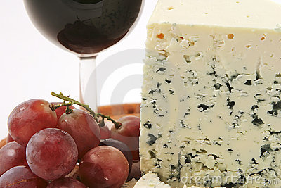 Roquefort cheese and grapes