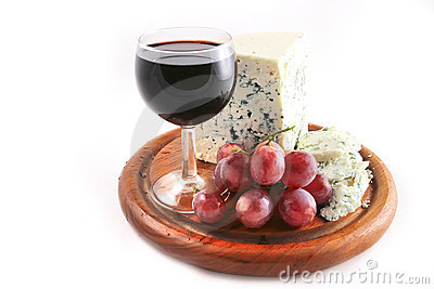 Roquefort cheese and grapes with wine
